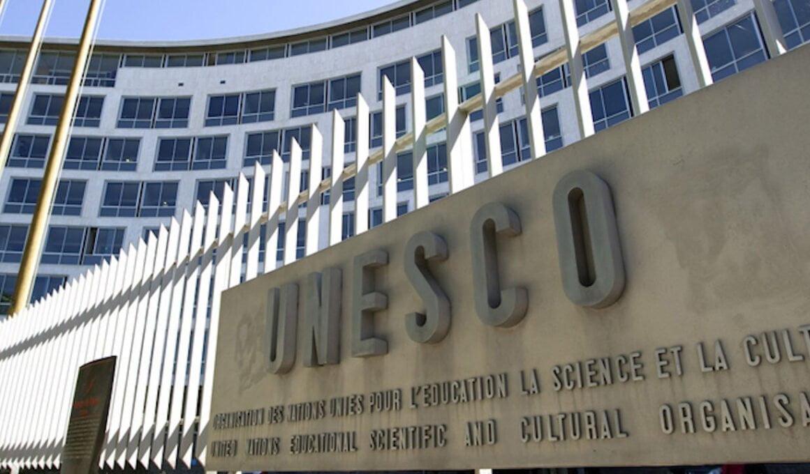 Von der UNESCO-Studie 11 zu UNESCO 2050: Projekt BEST und der Vierzig-Jahres-Plan zur Neukonzeption der Bildung für die vierte industrielle Revolution